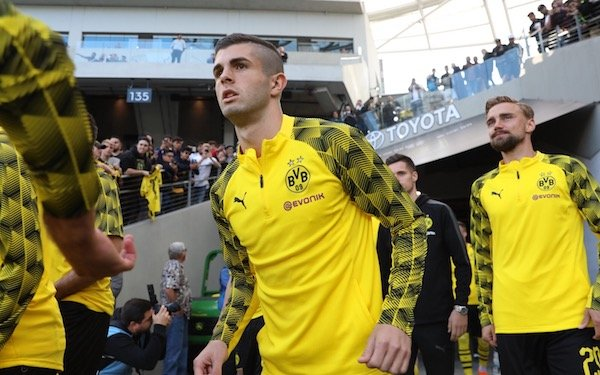 Christian Pulisic's father plays down reports linking BVB star with Premier League