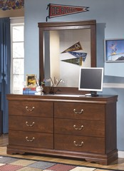 Ashley furniture wilmington dresser with bedroom mirror a