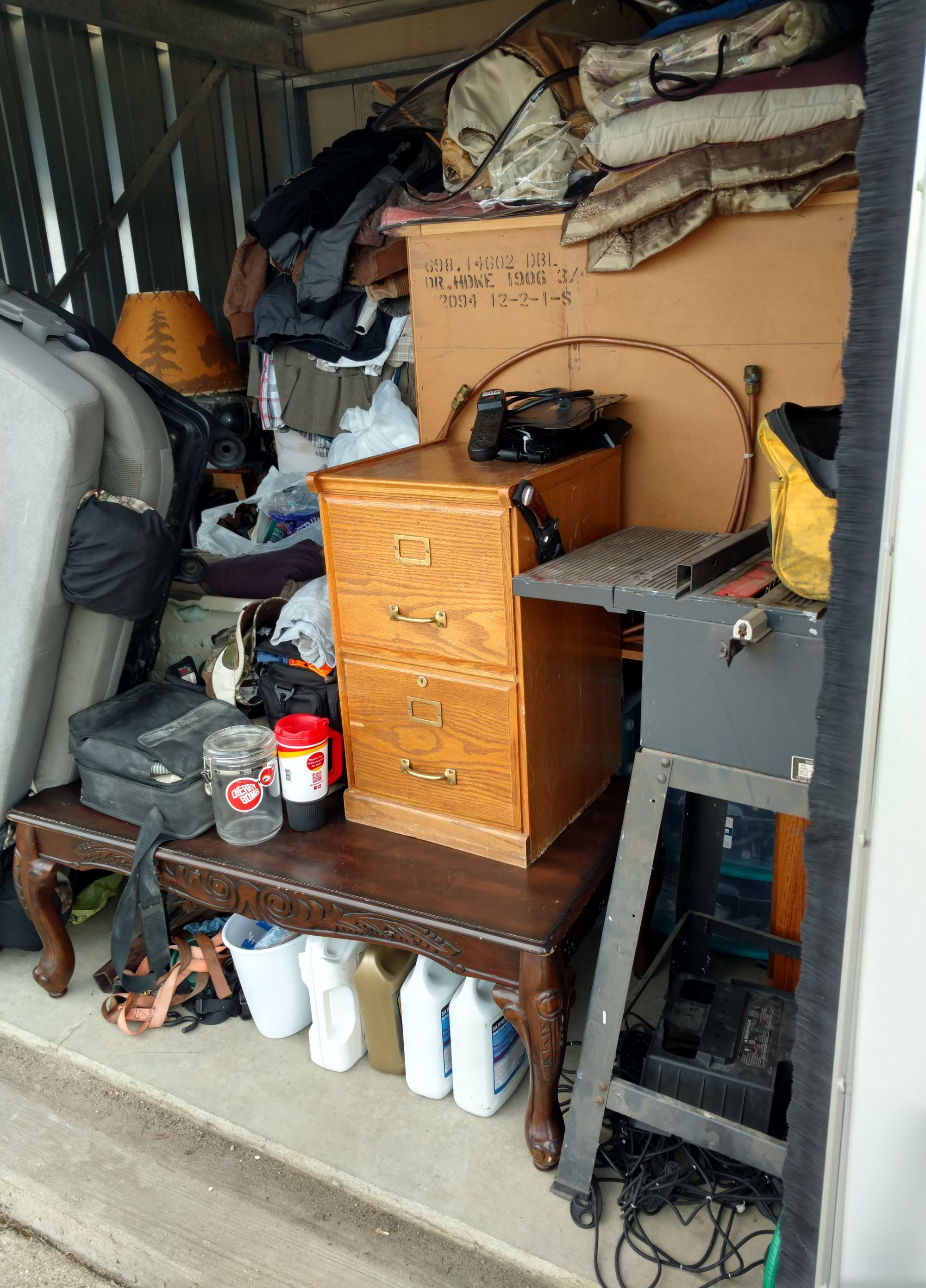 CLICK THUMBNAIL TO VIEW & Storage Unit Auction: 482631 | Cedar Falls IA | StorageTreasures.com