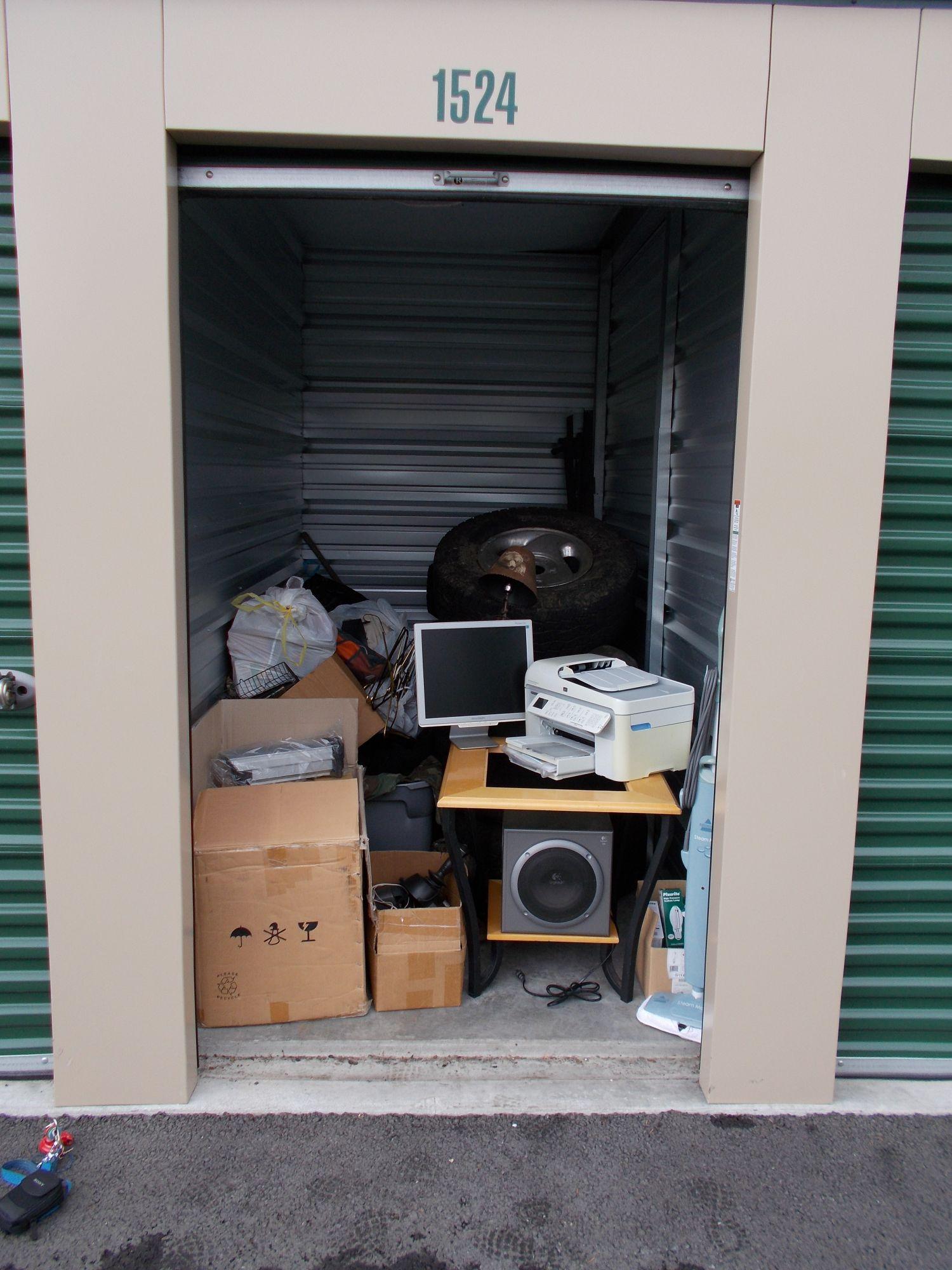 Hover or click & Storage Unit Auction: 486994 | Oak Harbor WA | StorageTreasures.com