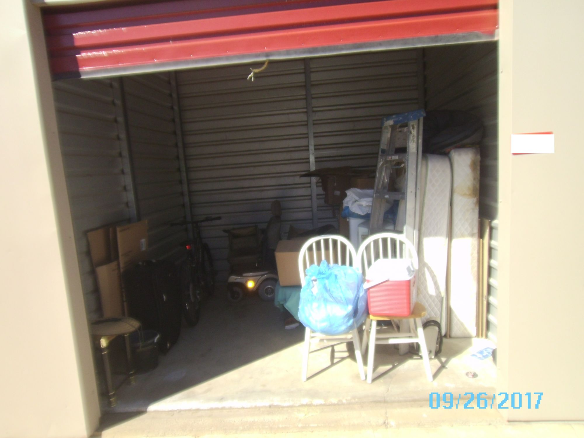 Hover or click & Storage Unit Auction: 491485 | LANCASTER CA | StorageTreasures.com