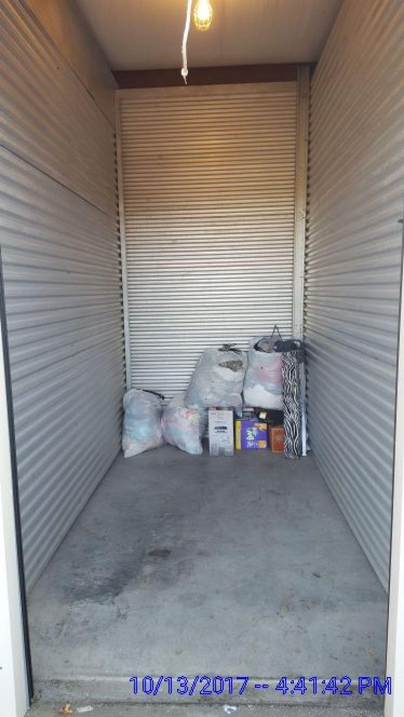 & Storage Unit Auction: 494459 | EVANSVILLE IN | StorageTreasures.com