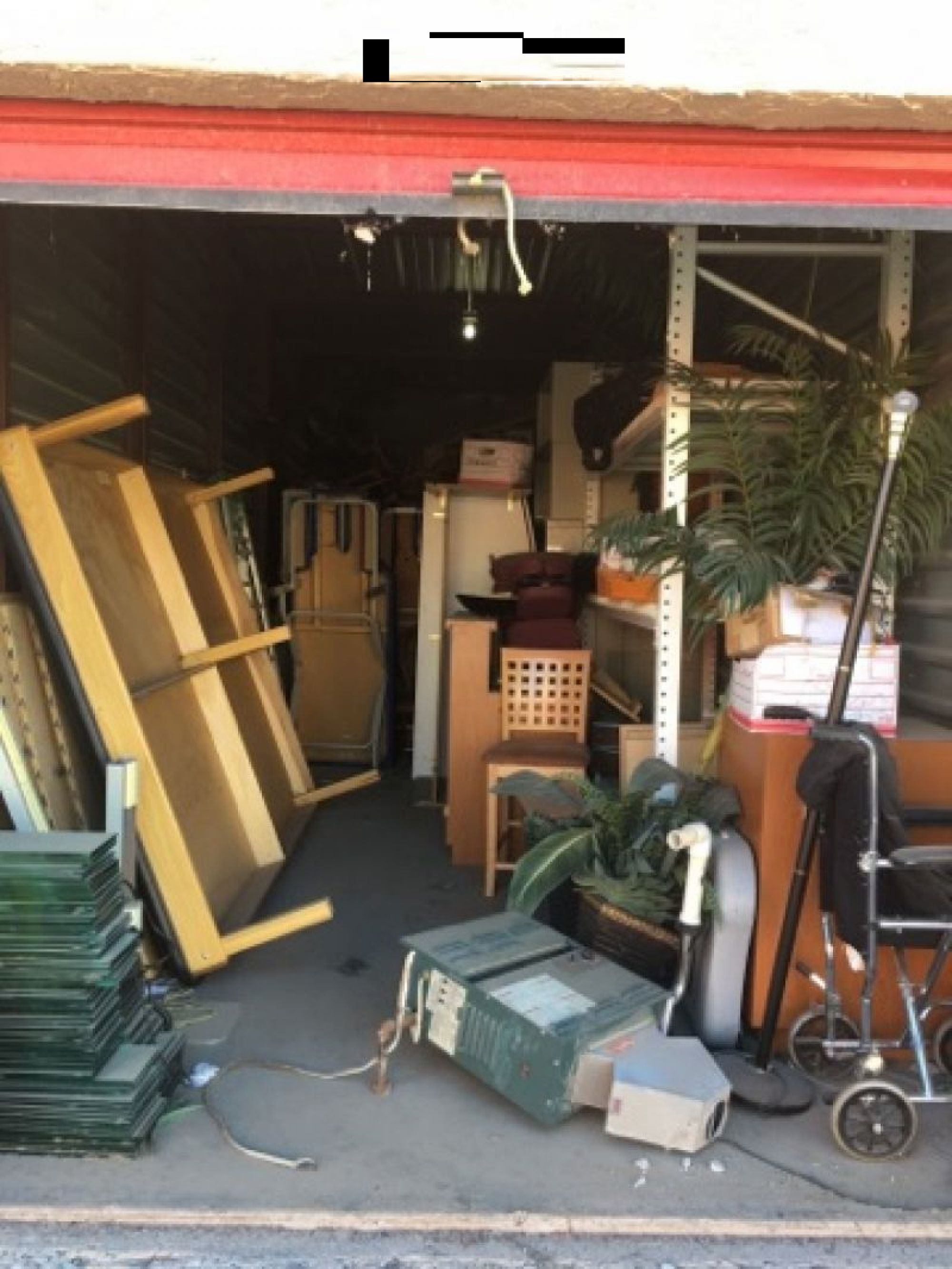 Hover or click & Storage Unit Auction: 496221 | El Paso TX | StorageTreasures.com