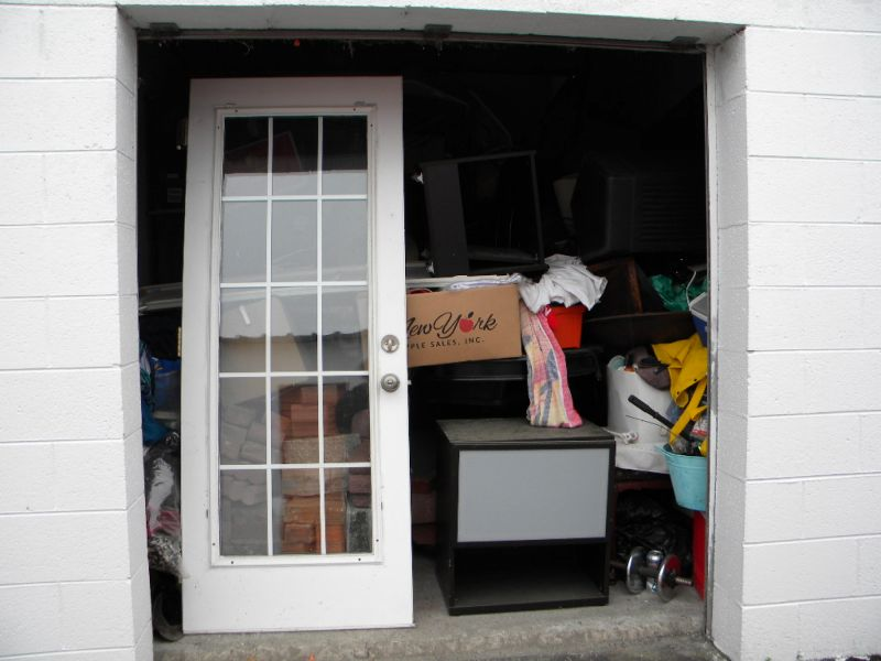 & Storage Unit Auction: 500536   Jacksonville NC   StorageTreasures.com