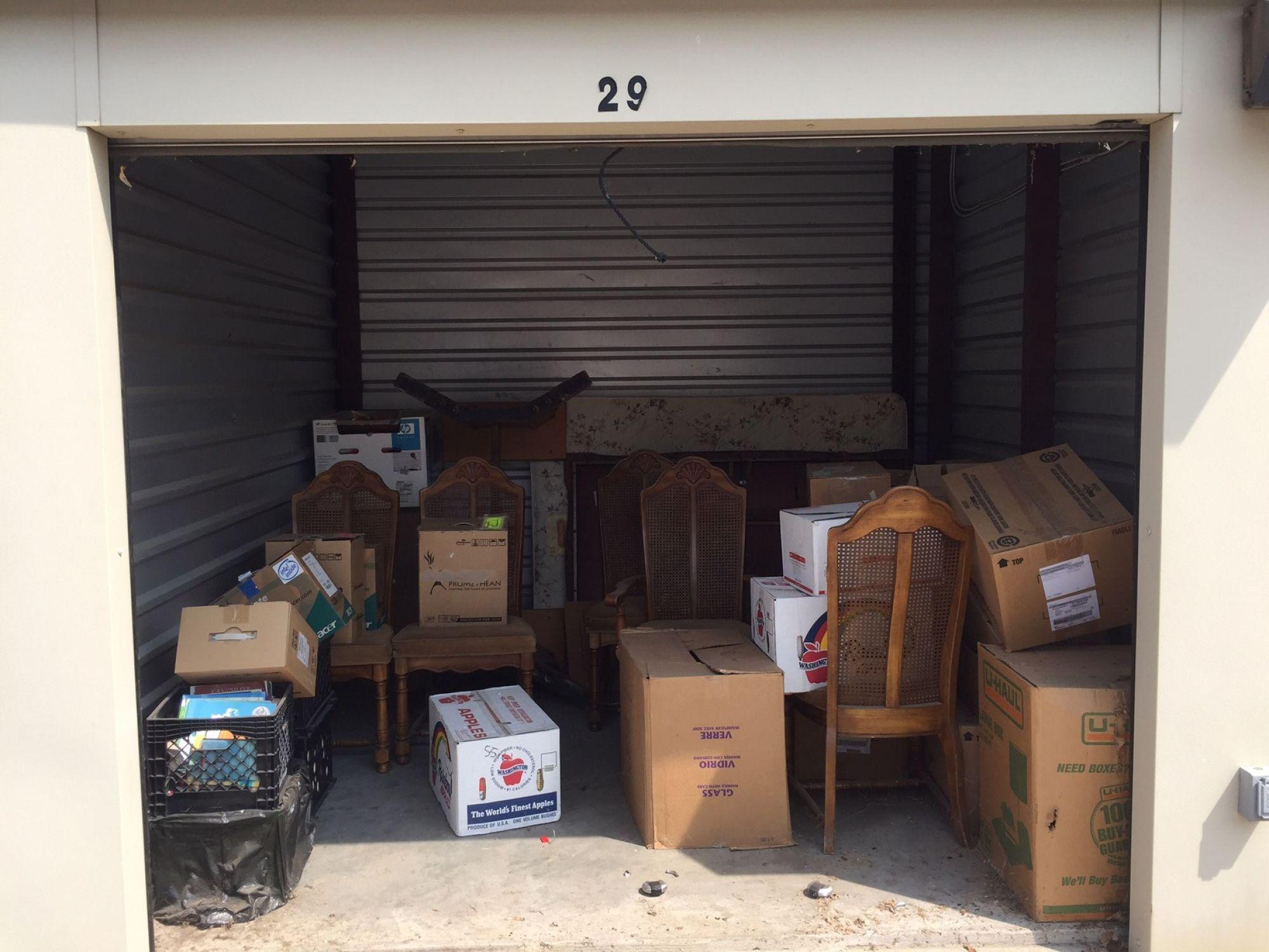 Storage Unit Auction: 513134  Tulsa, OK  StorageTreasures.com