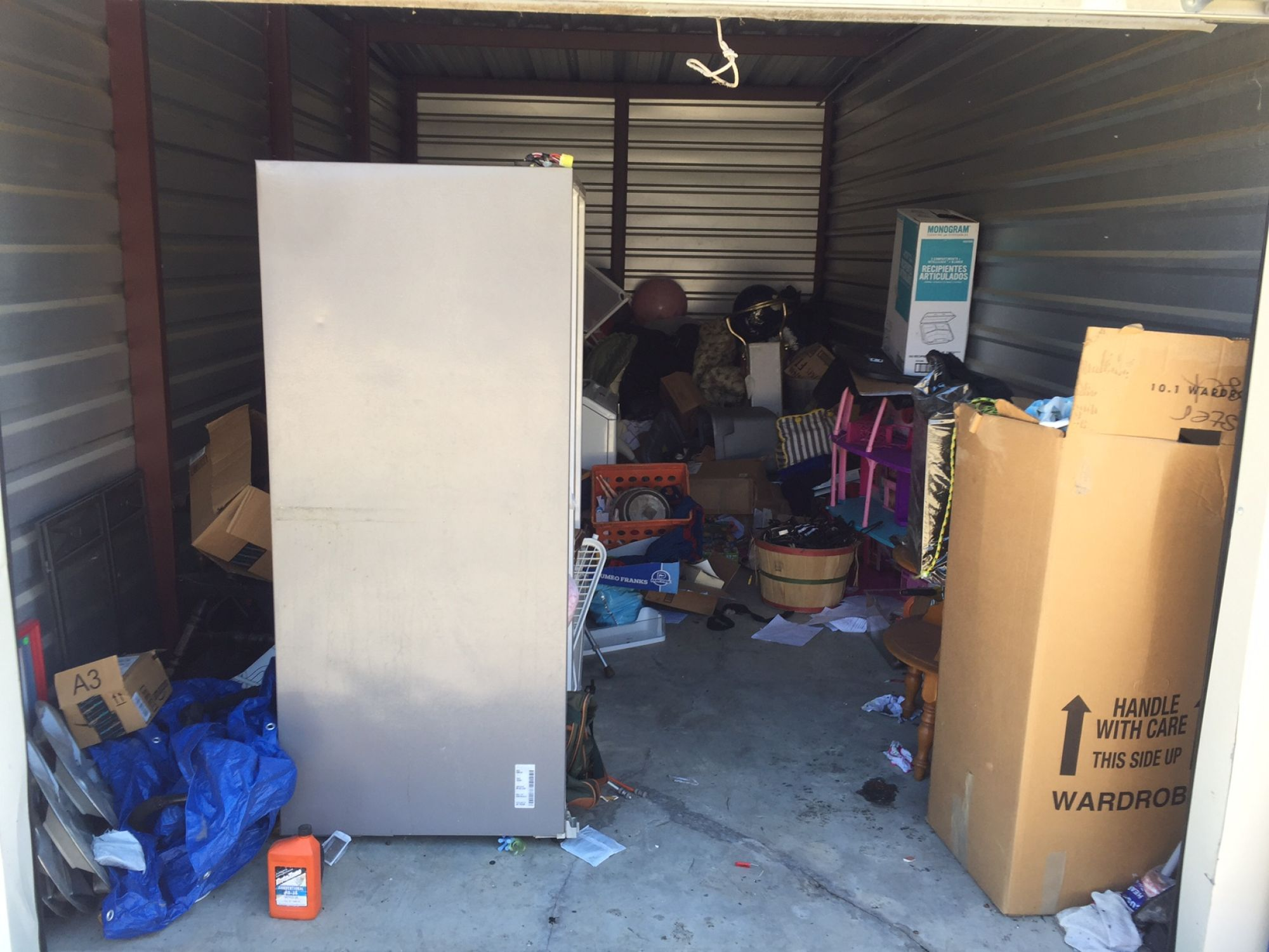 Storage Unit Auction: 514001  Tulsa, OK  StorageTreasures.com