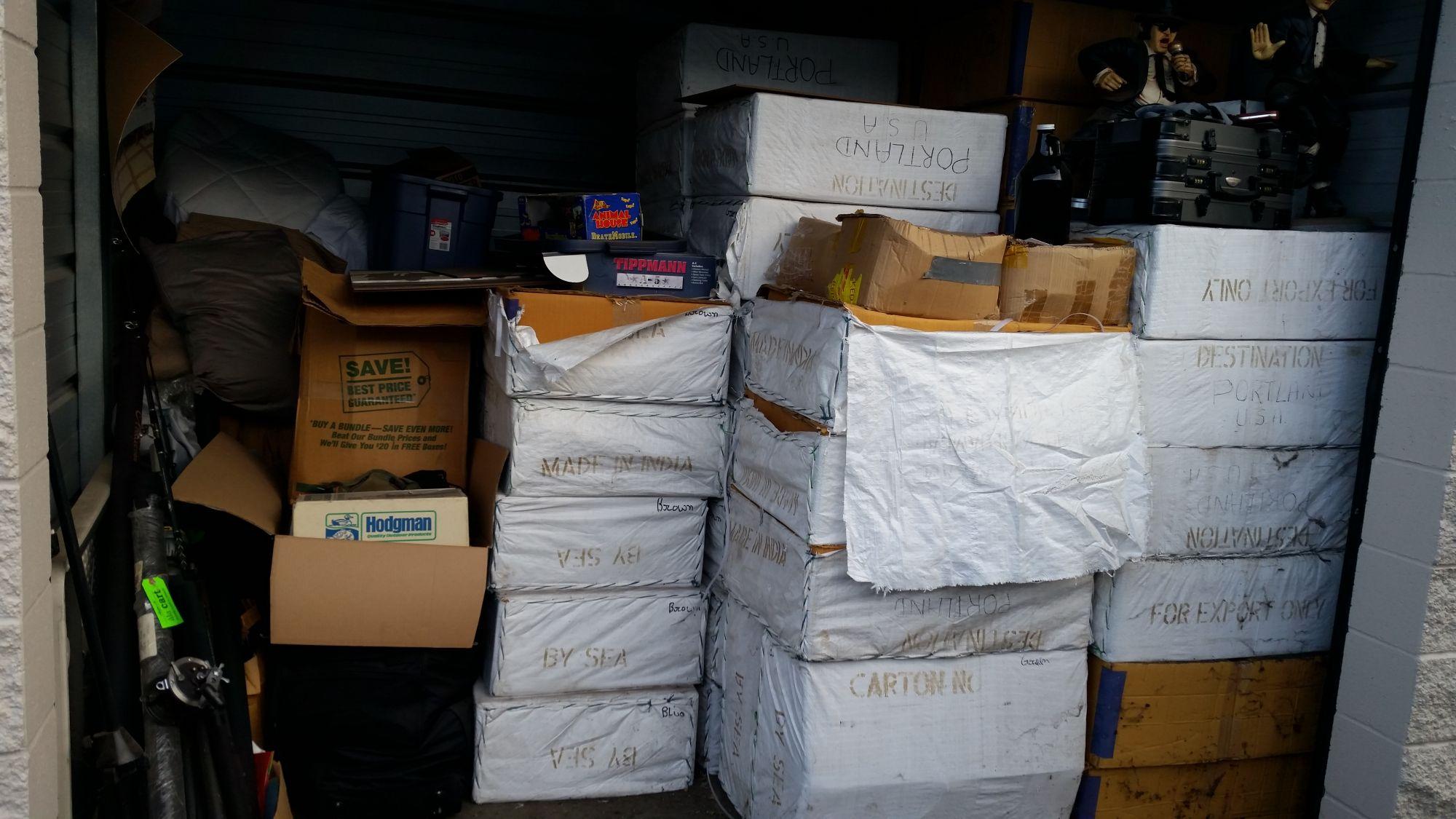 Hover or click & Storage Unit Auction: 518165   Clackamas OR   StorageTreasures.com