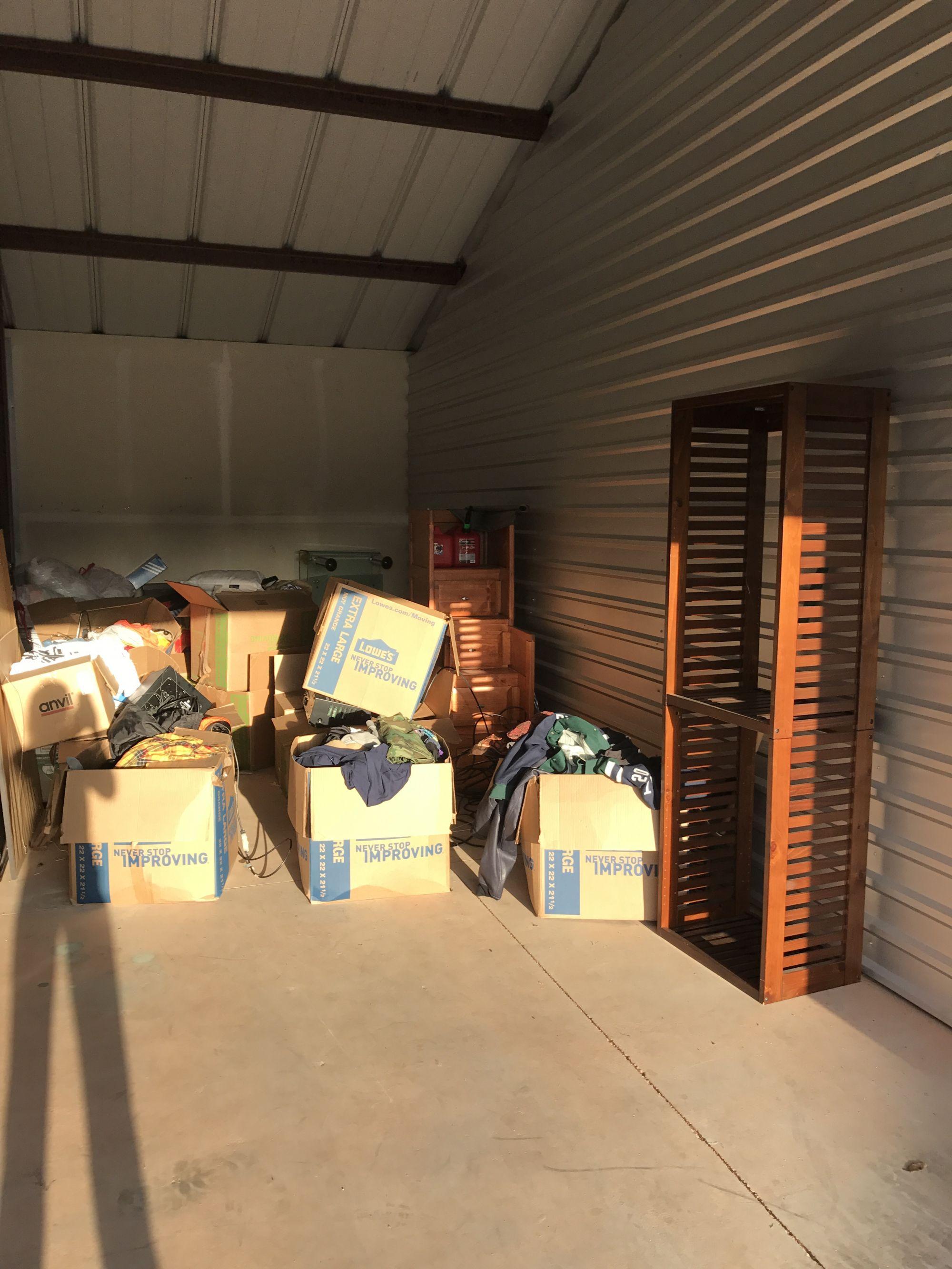 storage unit auction  518704