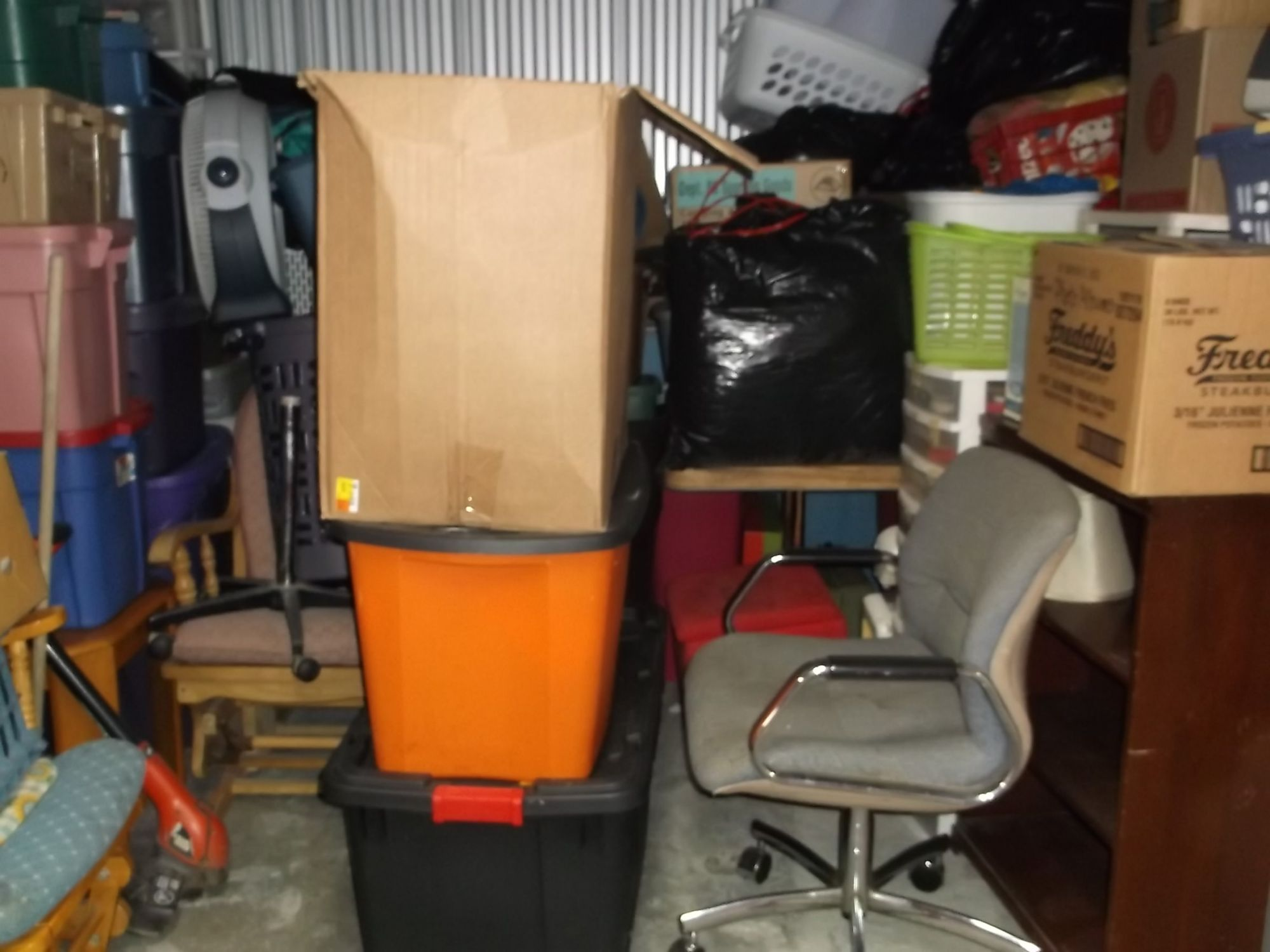 Hover or click & Storage Unit Auction: 521750 | St Charles MO | StorageTreasures.com