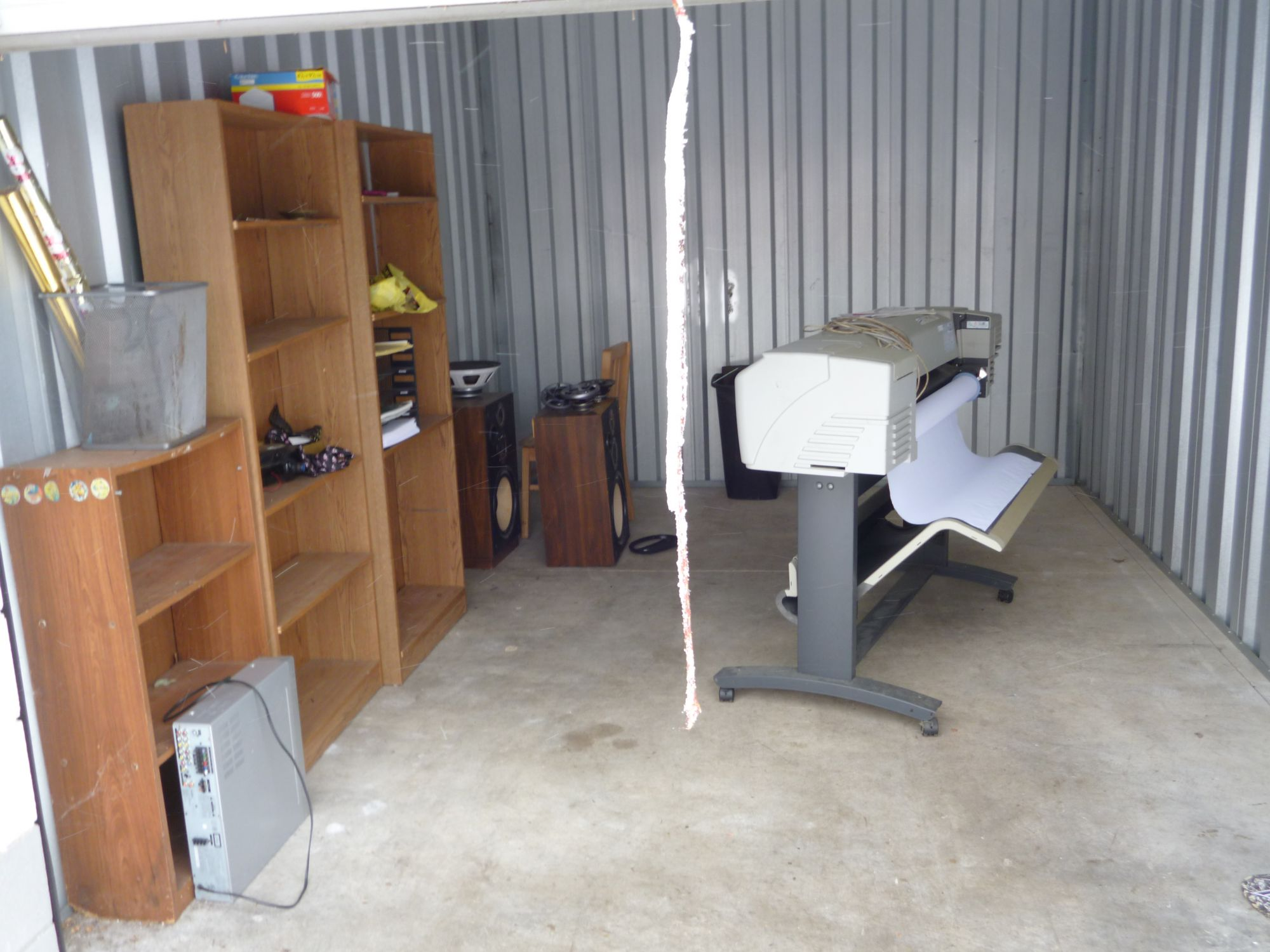 Hover or click & Storage Unit Auction: 523545 | Akron OH | StorageTreasures.com