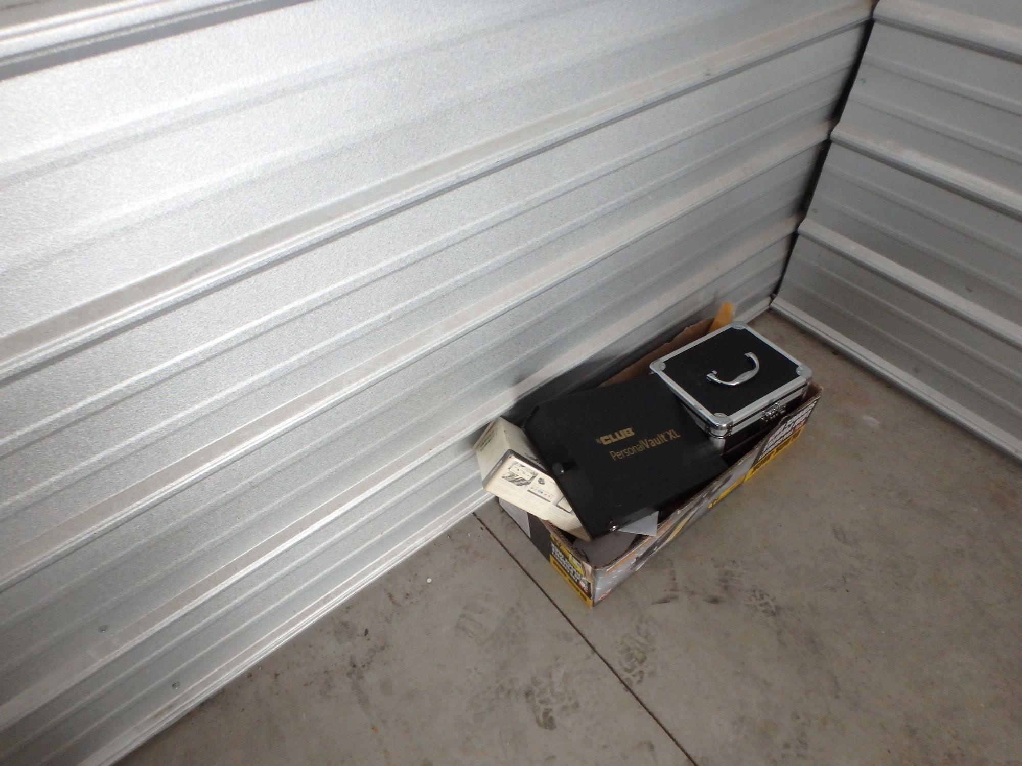 Storage unit auction 526107 blaine mn for Blaine storage