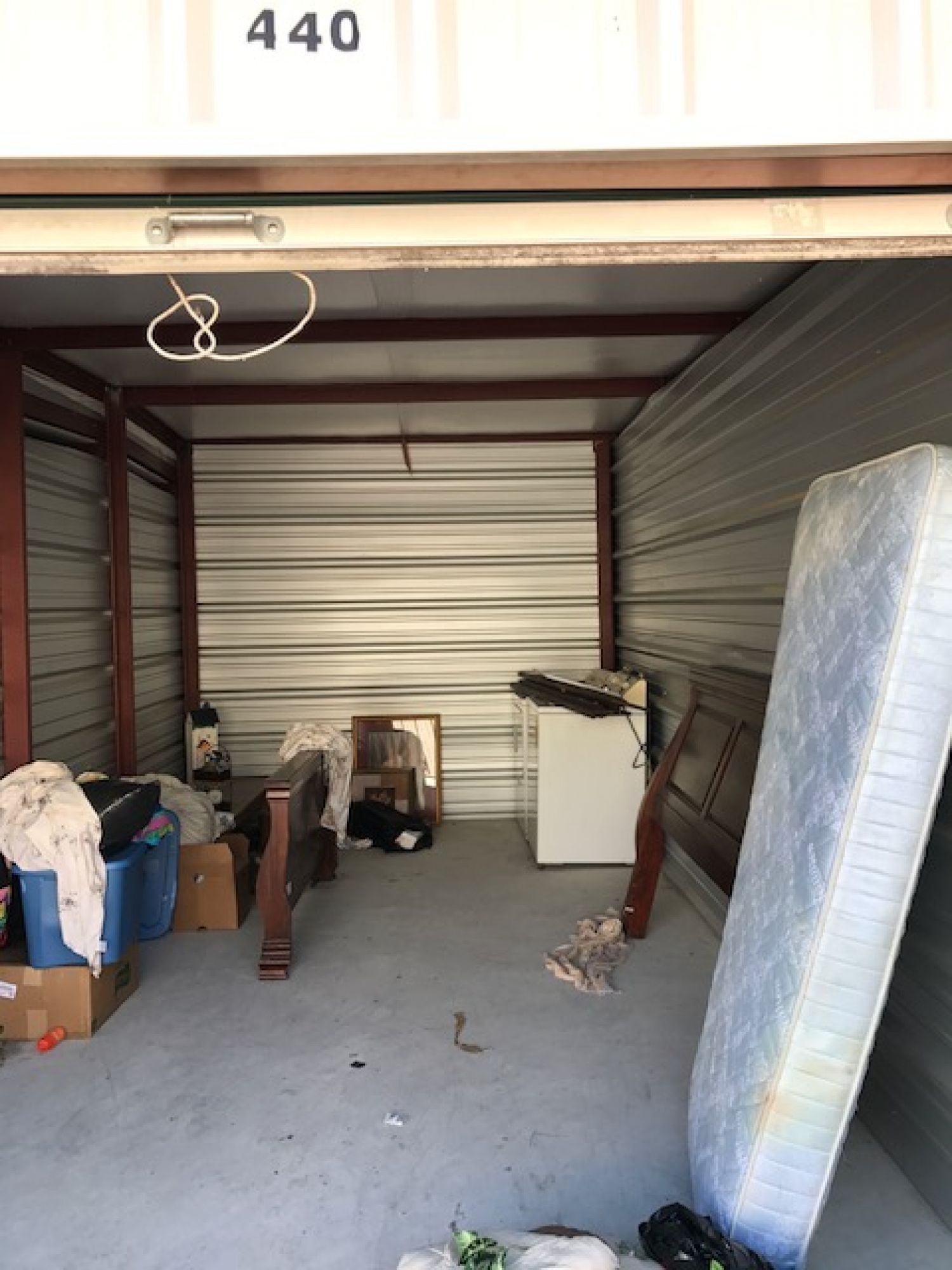 Hover or click & Storage Unit Auction: 533135 | Oxford MS | StorageTreasures.com