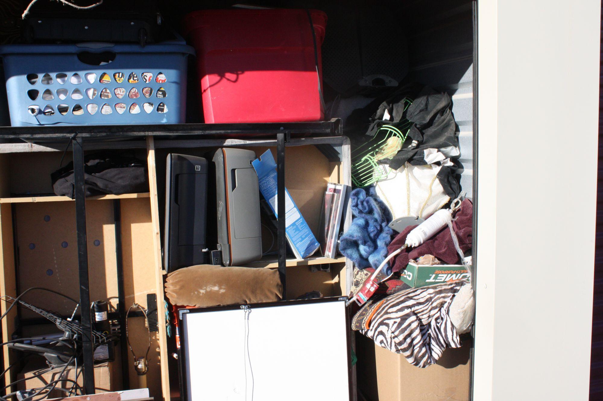 Hover or click & Storage Unit Auction: 533591 | Casa Grande AZ | StorageTreasures.com