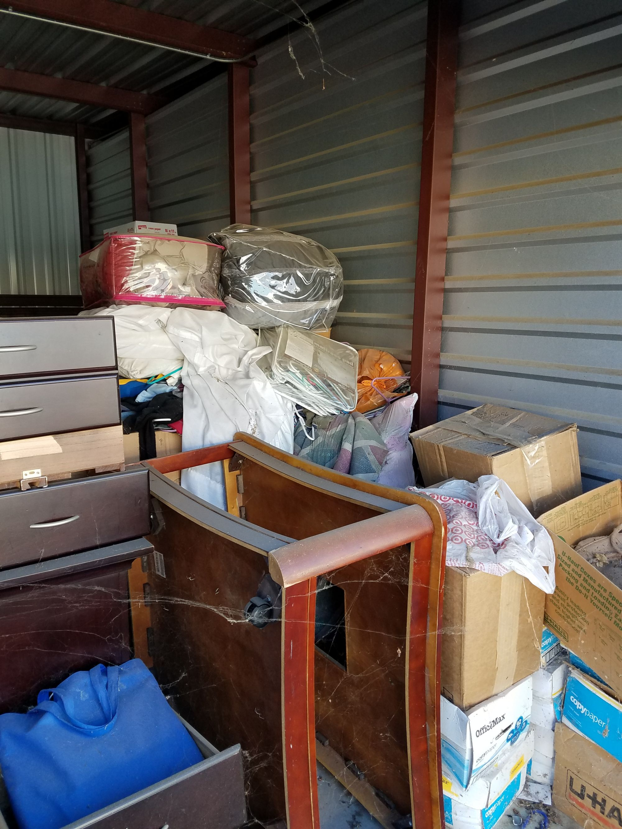 ... for online and onsite storage auction services in the United States and Canada. The new site which provides a more dynamic bidding experience for over ... & Storage Unit Auction: 538360   Tulsa OK   StorageTreasures.com