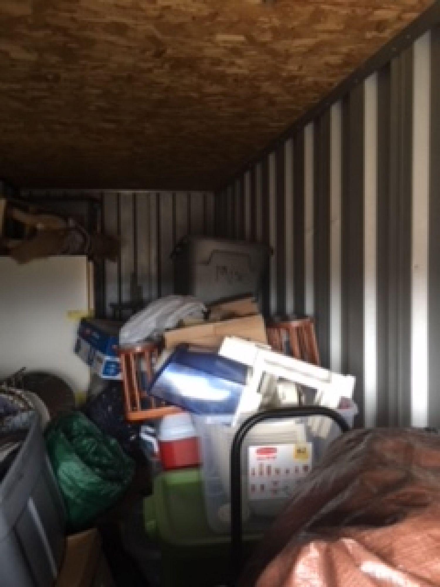 storage unit auction  540294