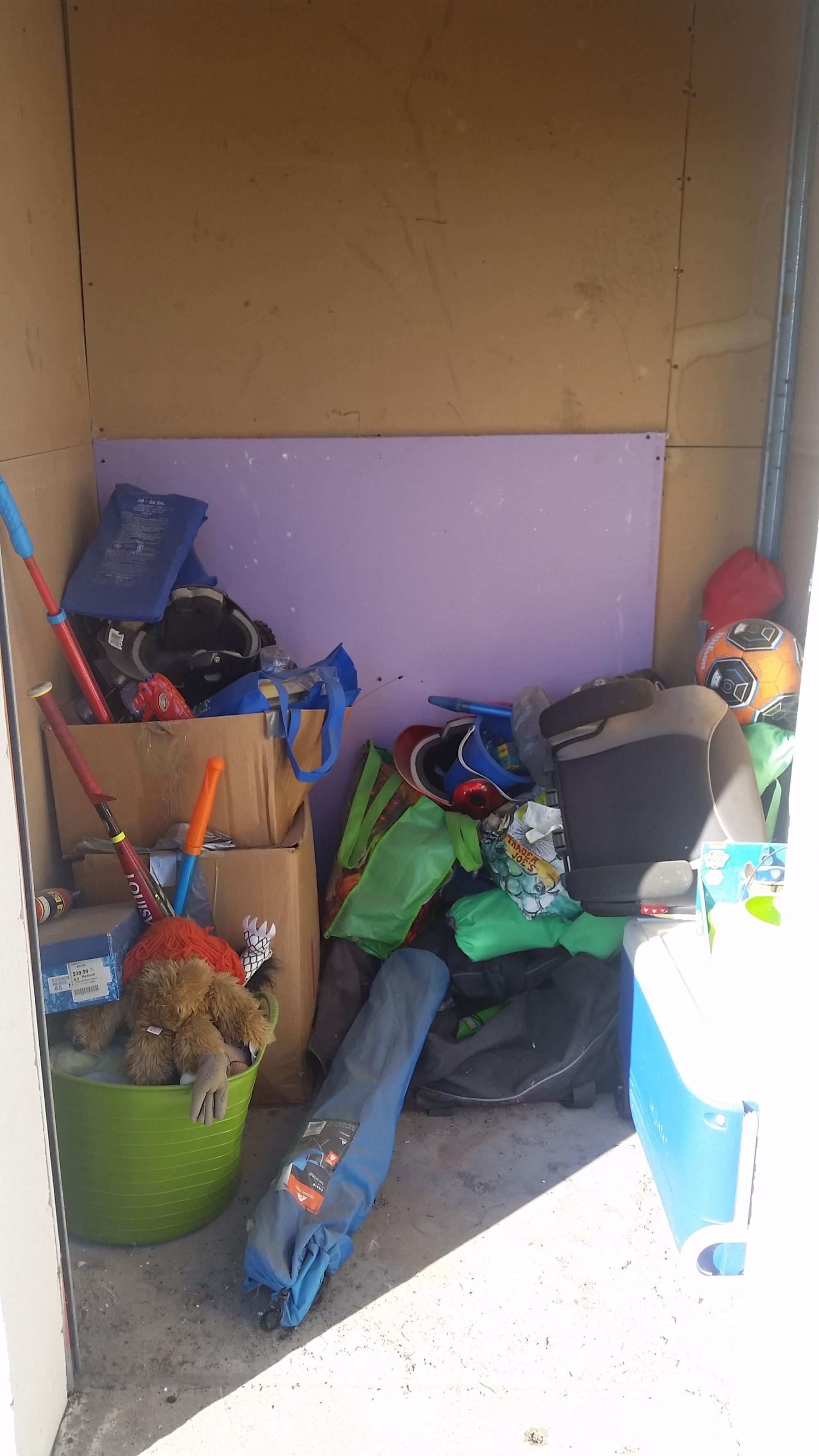 Hover or click & Storage Unit Auction: 540473 | West Des Moines IA ...
