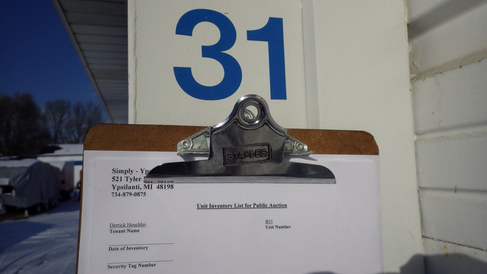 Hover or click & Storage Unit Auction: 541685 | Ypsilanti MI | StorageTreasures.com