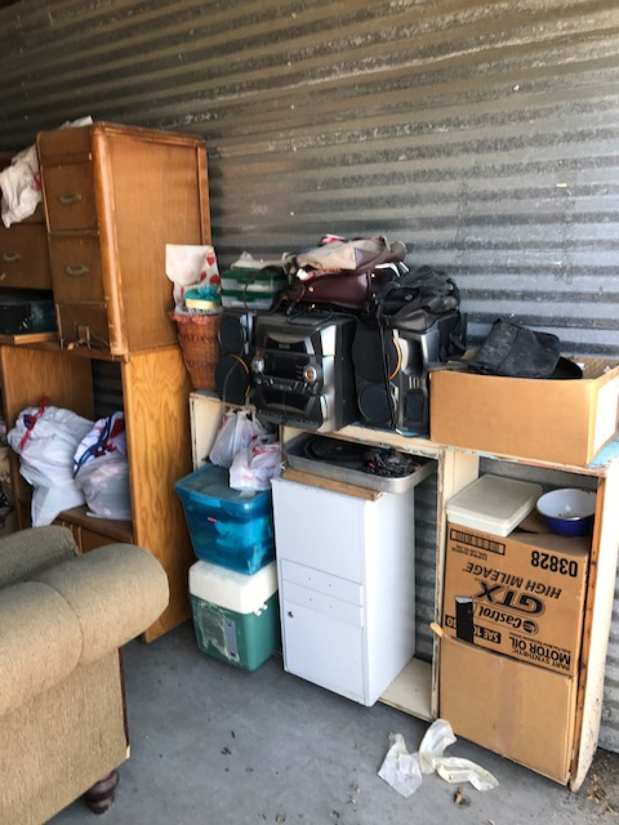 CLICK THUMBNAIL TO VIEW. Vacaville CA & Storage Unit Auction: 544557 | Vacaville CA | StorageTreasures.com
