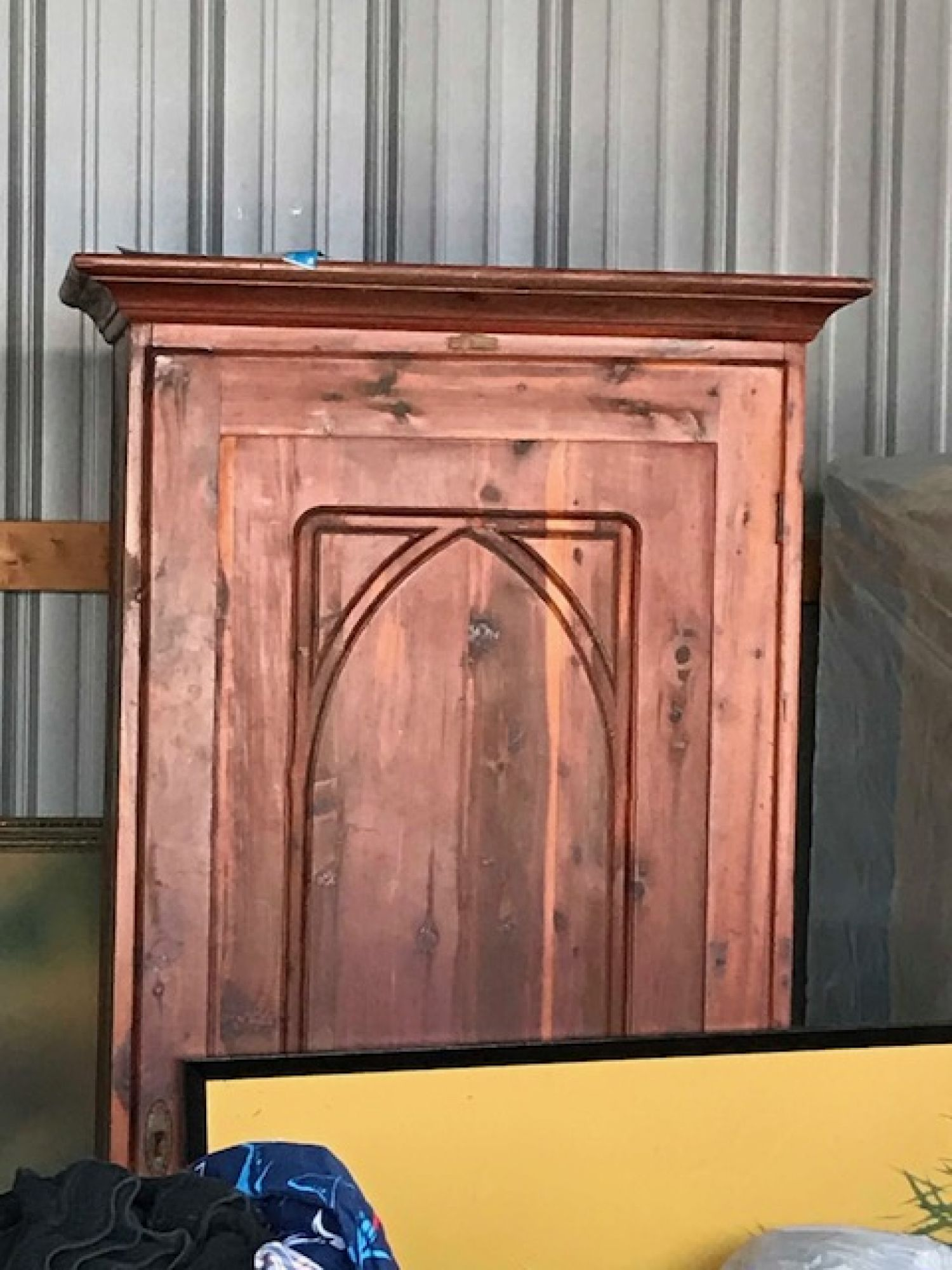 Storage unit auction 546196 zanesville oh for Kitchen cabinets zanesville ohio