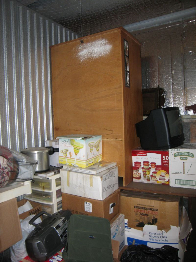 & Storage Unit Auction: 547062 | Everett WA | StorageTreasures.com
