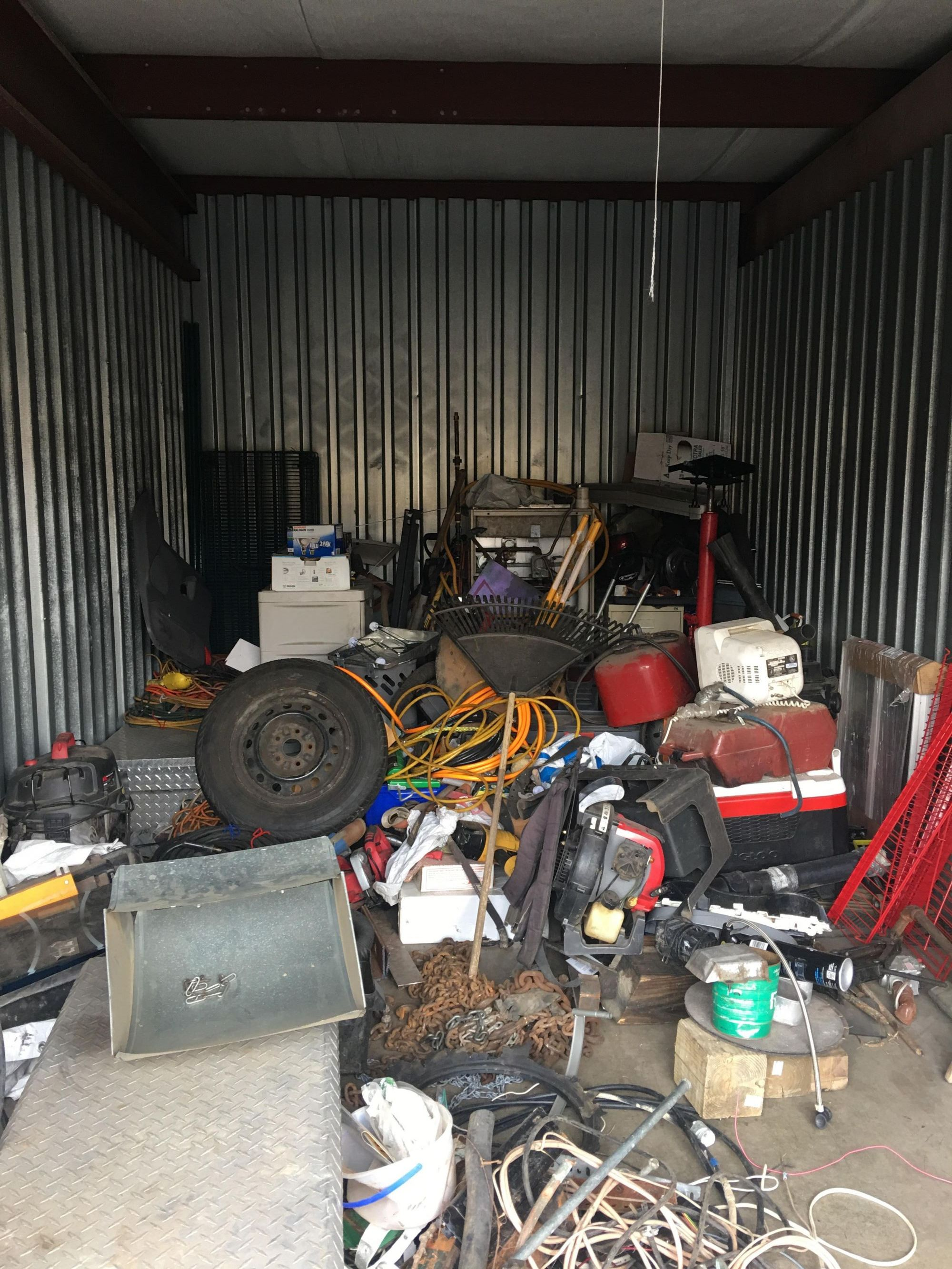 Storage Unit Auction: 549608  Lafayette, IN  StorageTreasures.com