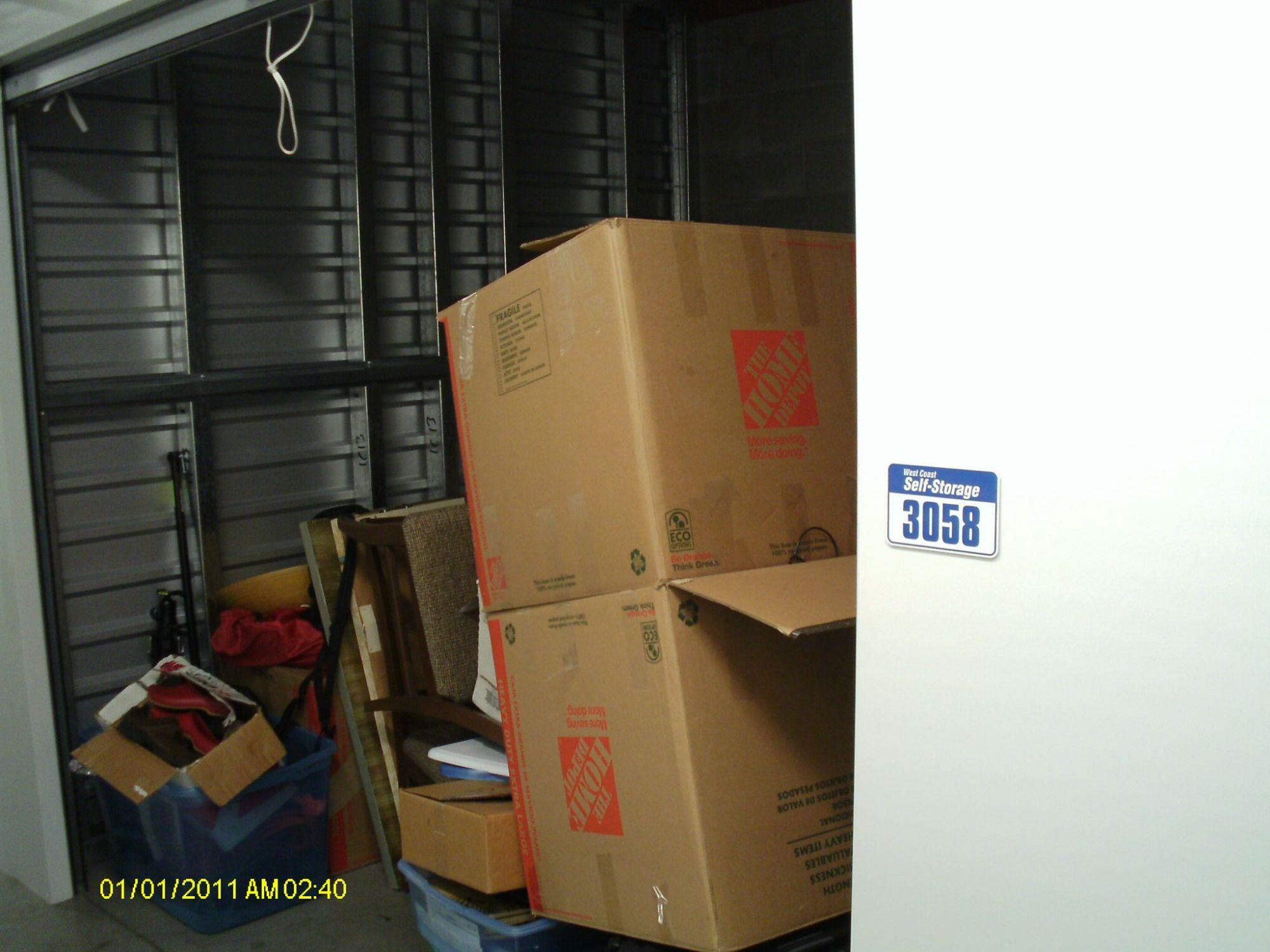 Storage Unit Auction 552362 Vancouver Wa