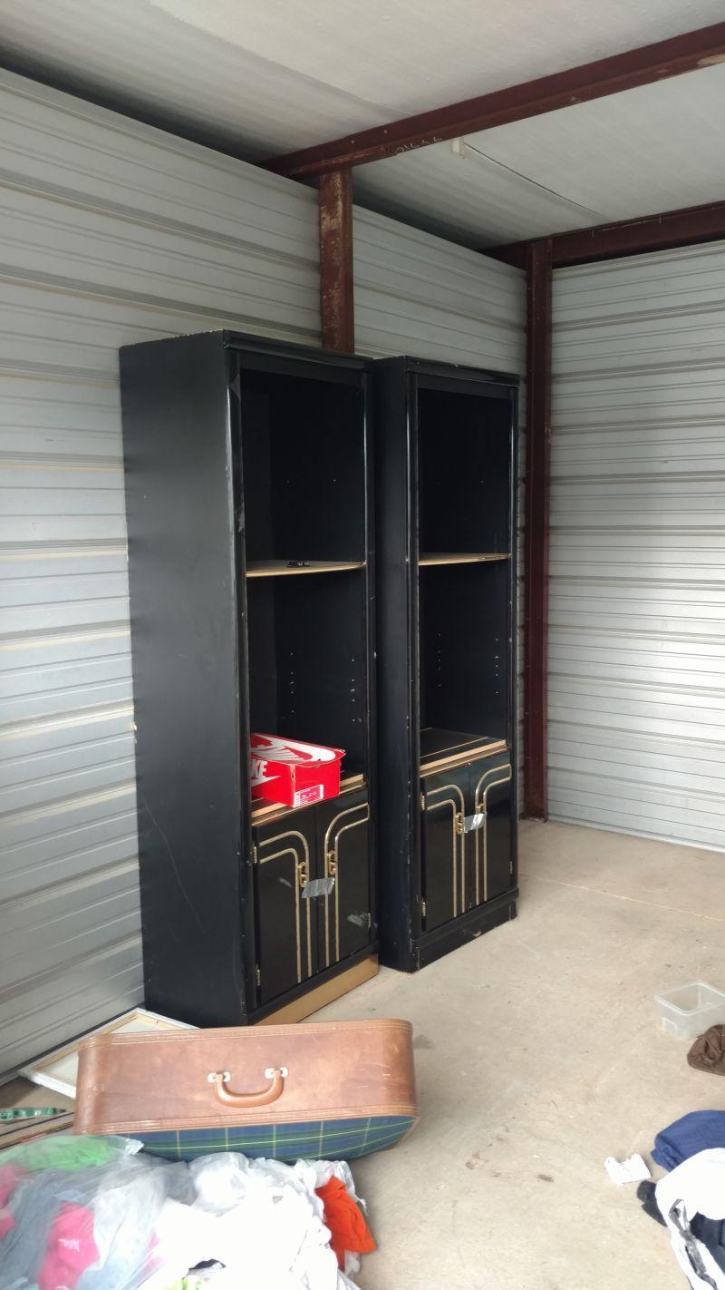 & Storage Unit Auction: 553371 | Radcliff KY | StorageTreasures.com