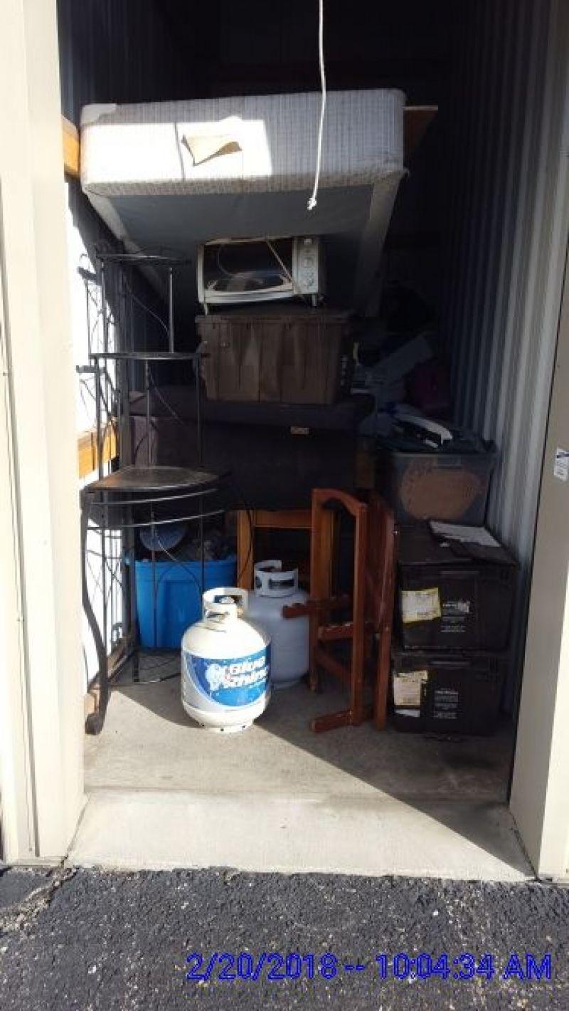 & Storage Unit Auction: 554097 | EDINBURGH IN | StorageTreasures.com