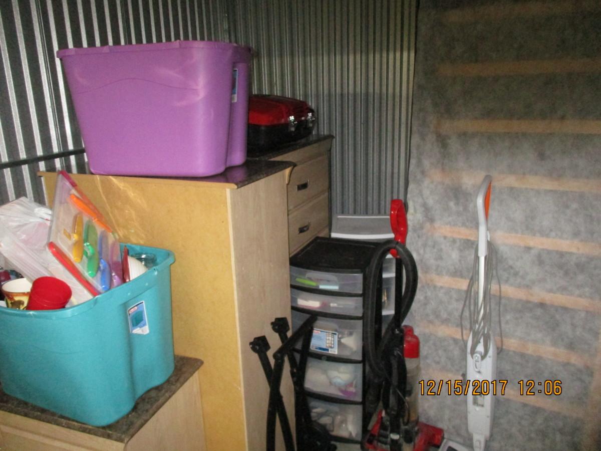 Hover or click & Storage Unit Auction: 559757   Hialeah FL   StorageTreasures.com