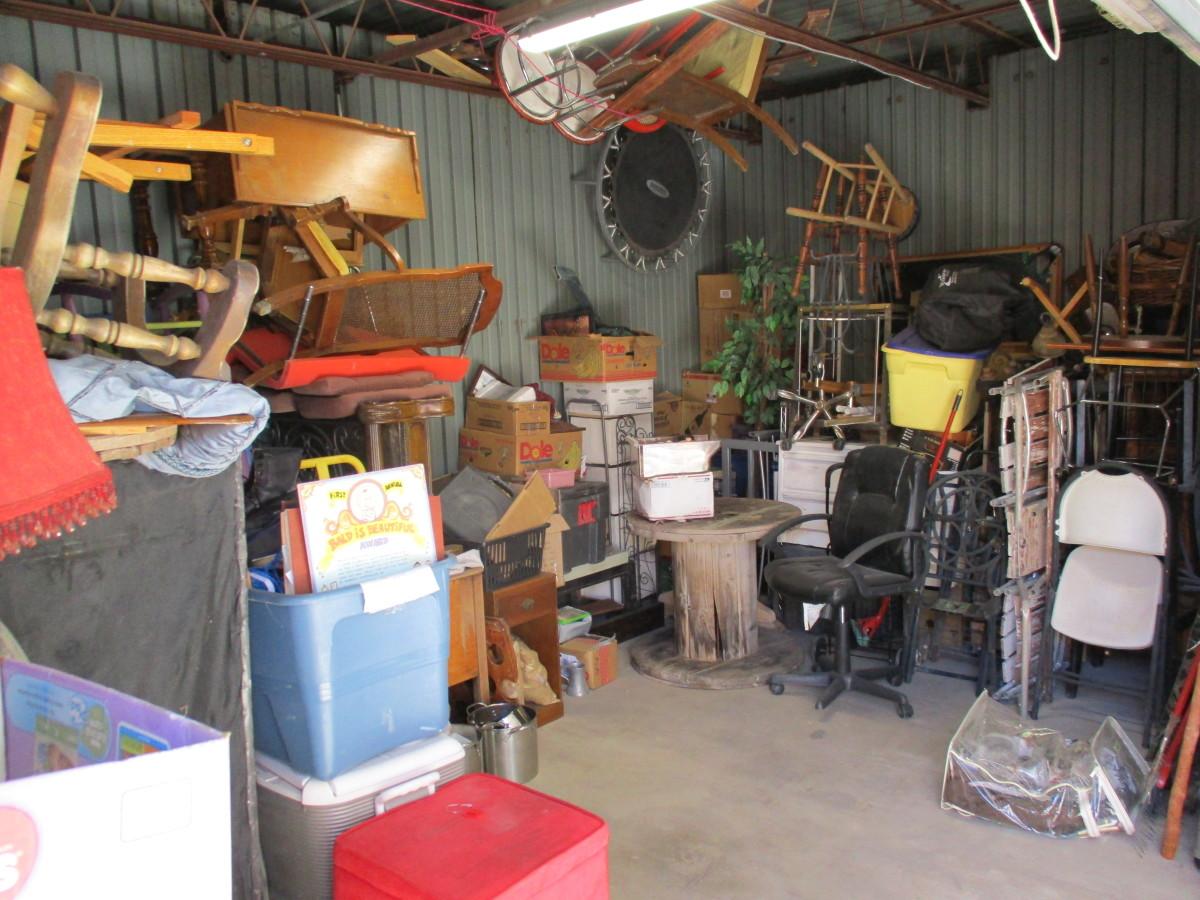 Hover or click & Storage Unit Auction: 561776 | Tucson AZ | StorageTreasures.com