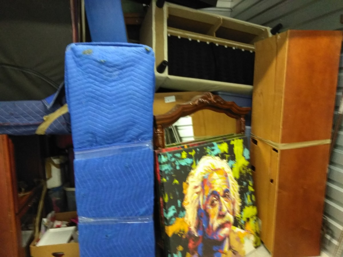 Hover or click & Storage Unit Auction: 564971 | Federal Way WA | StorageTreasures.com