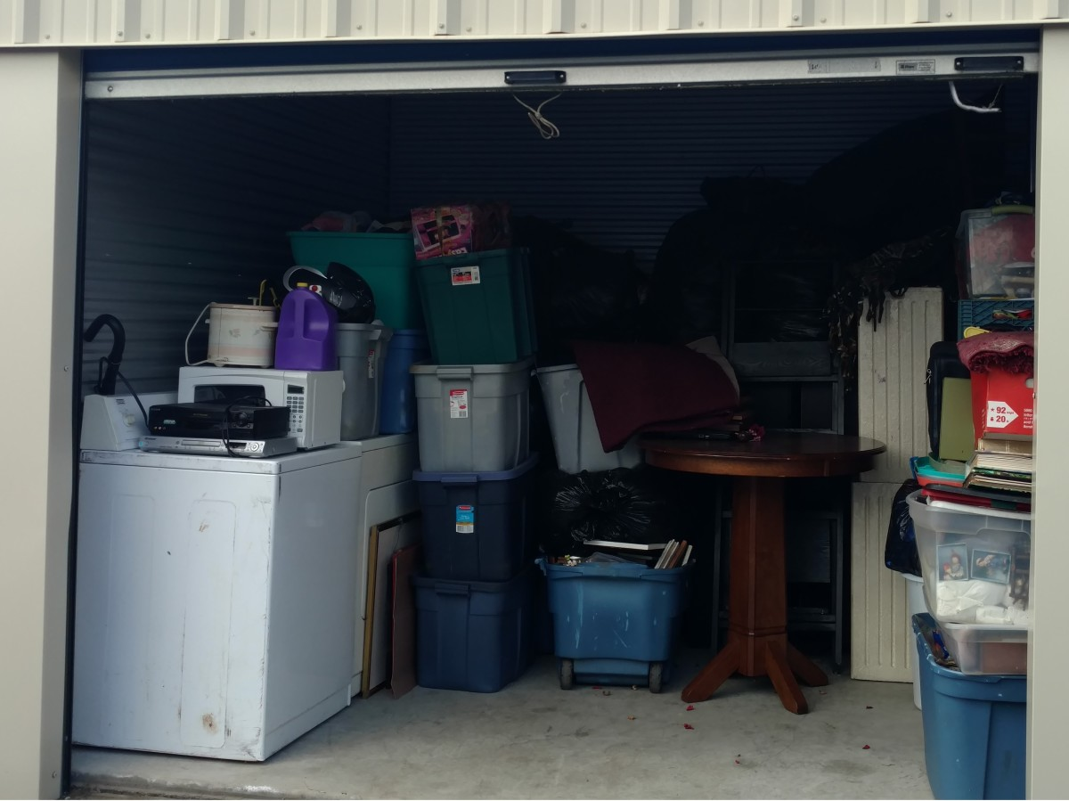Hover or click & Storage Unit Auction: 570265 | New Albany IN | StorageTreasures.com