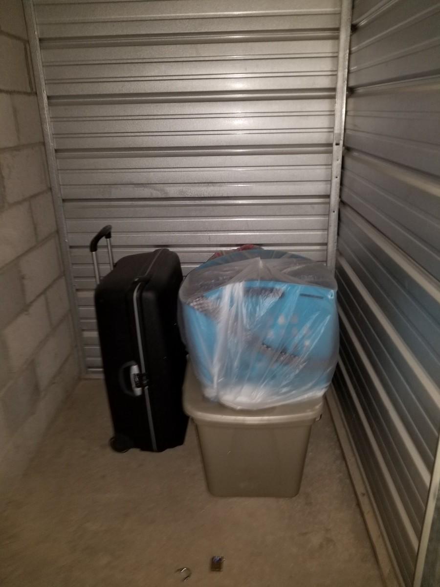 Hover or click & Storage Unit Auction: 574100 | Yuma AZ | StorageTreasures.com