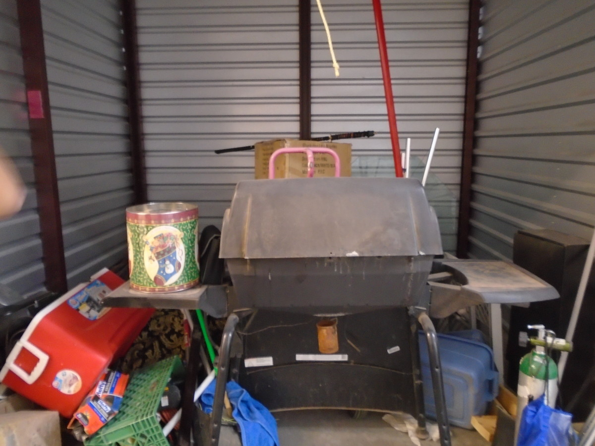 Hover or click & Storage Unit Auction: 578797 | Peoria AZ | StorageTreasures.com