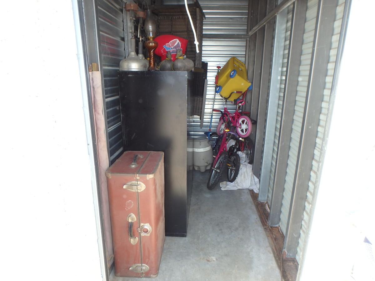 Hover or click  sc 1 st  Storage Treasures & Storage Unit Auction: 581299 | Blaine MN | StorageTreasures.com
