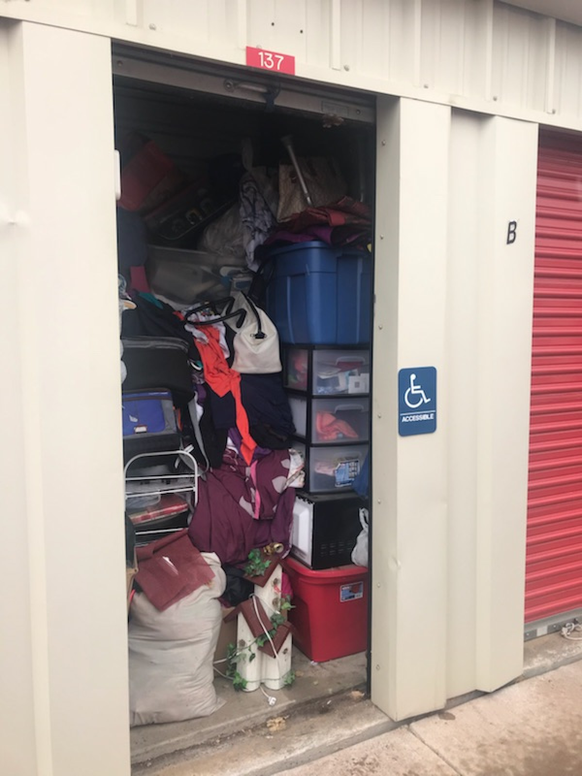 Hover or click & Storage Unit Auction: 582529 | Colorado Springs CO ...