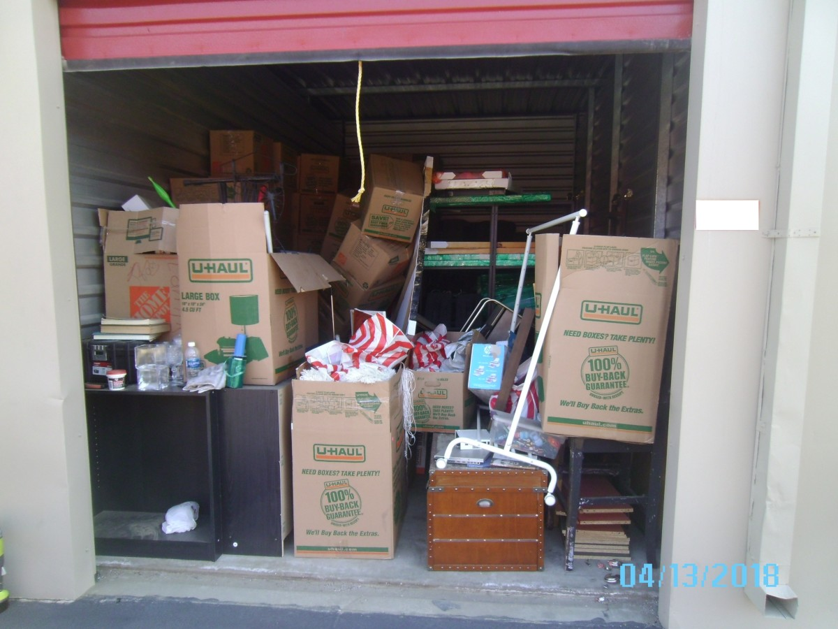 Hover or click & Storage Unit Auction: 587476 | LANCASTER CA | StorageTreasures.com