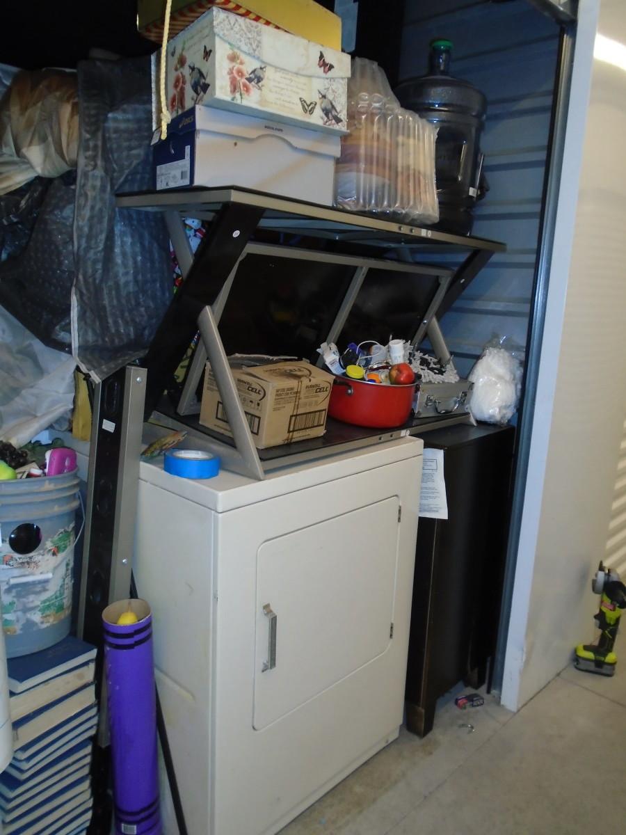 Hover or click & Storage Unit Auction: 604671 | Peoria AZ | StorageTreasures.com