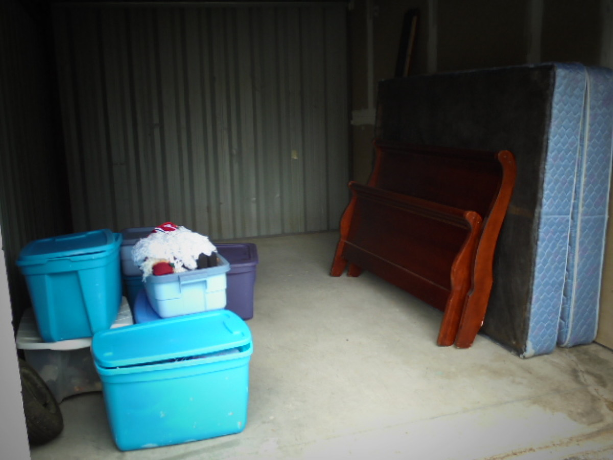 Hover or click & Storage Unit Auction: 604953 | GOOSE CREEK SC | StorageTreasures.com