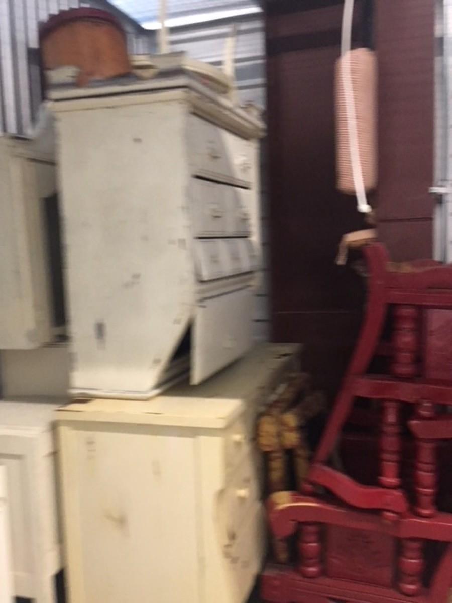 Hover or click & Storage Unit Auction: 605210   Burleson TX   StorageTreasures.com