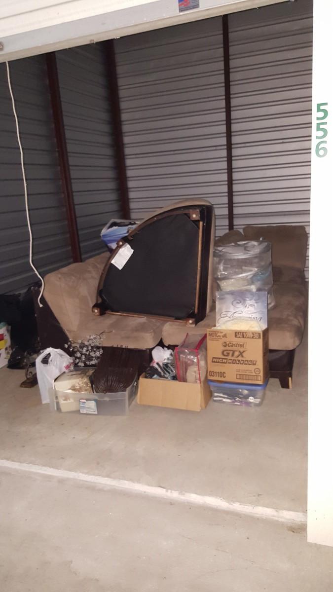 Hover or click & Storage Unit Auction: 605488 | Gretna LA | StorageTreasures.com