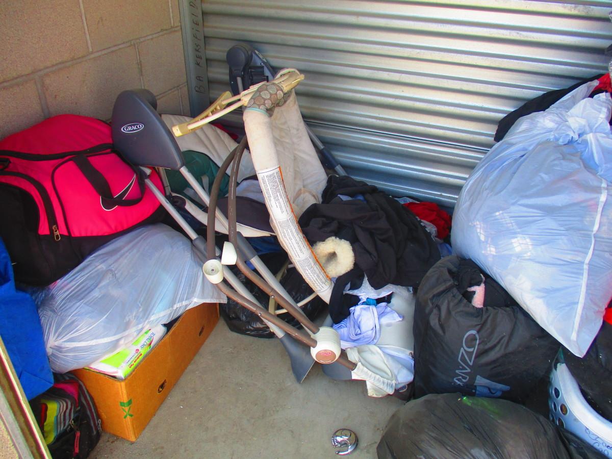 Storage Unit Auction 614536 Bakersfield Ca