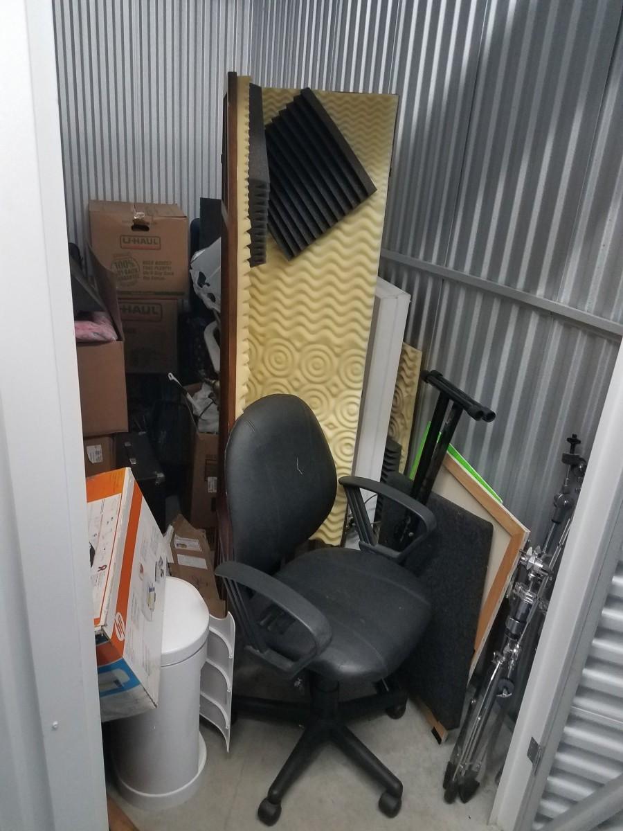 Hover or click & Storage Unit Auction: 616369 | Davie FL | StorageTreasures.com
