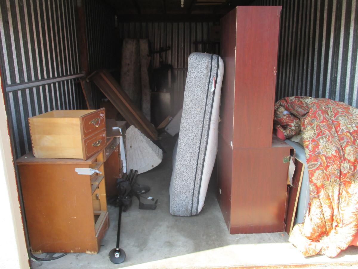 Hover or click & Storage Unit Auction: 616991 | Sacramento CA | StorageTreasures.com
