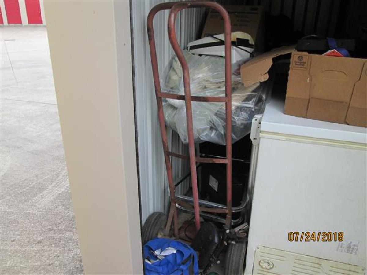 Hover or click & Storage Unit Auction: 617828   BURLINGTON NC   StorageTreasures.com