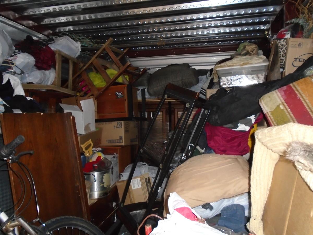 Hover or click & Storage Unit Auction: 619583 | Peoria AZ | StorageTreasures.com