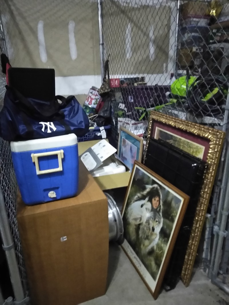 & Storage Unit Auction: 620877 | Clearwater FL | StorageTreasures.com
