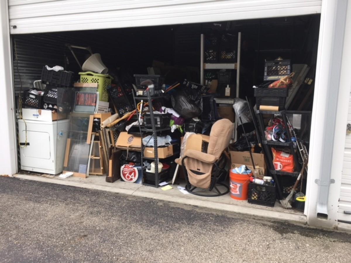 Hover or click & Storage Unit Auction: 623422 | Clinton Twp MI | StorageTreasures.com