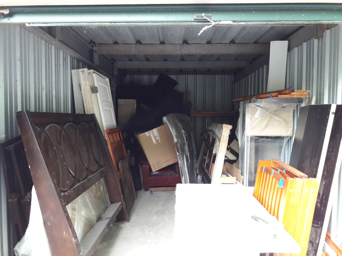 Hover or click & Storage Unit Auction: 631013 | Waterford MI | StorageTreasures.com