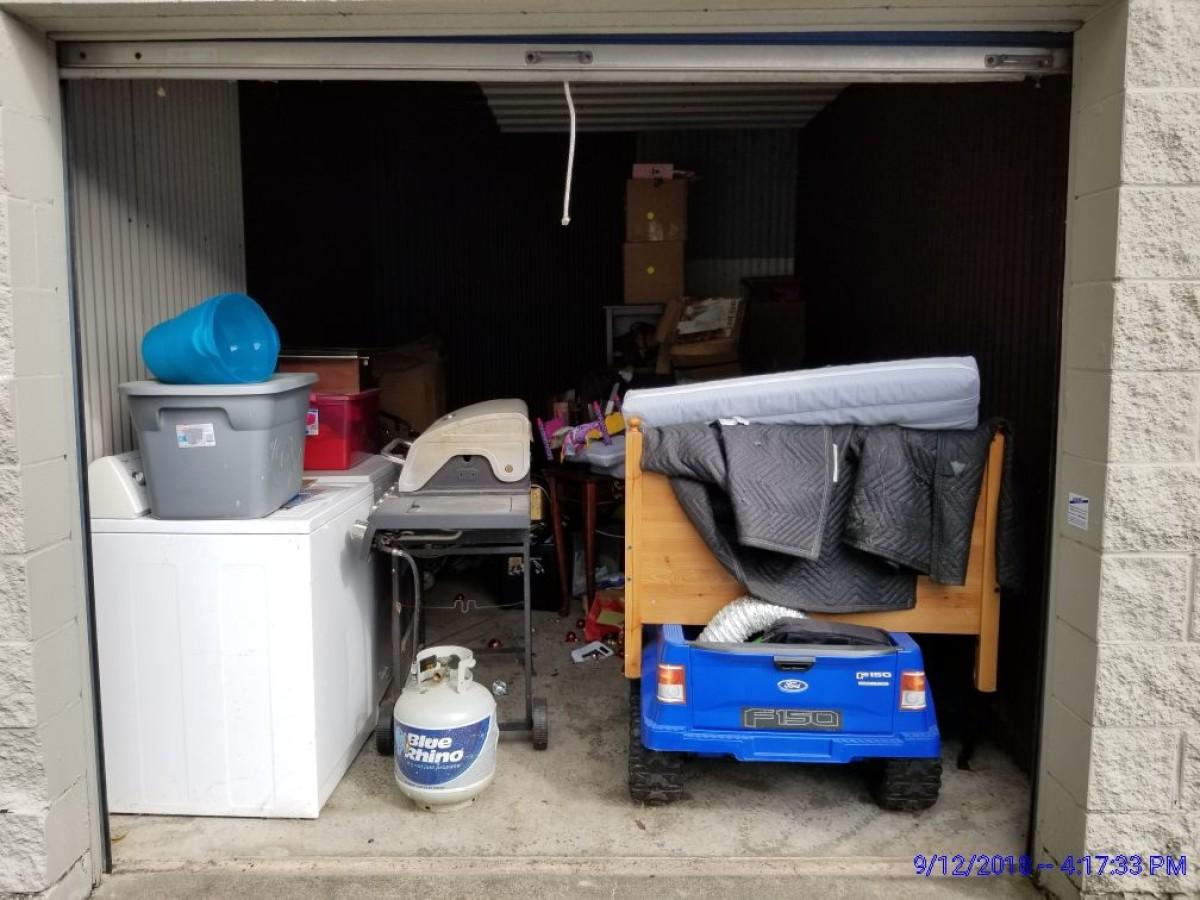 Storage Unit Auction 653201 Indianapolis In Storagetreasures Com